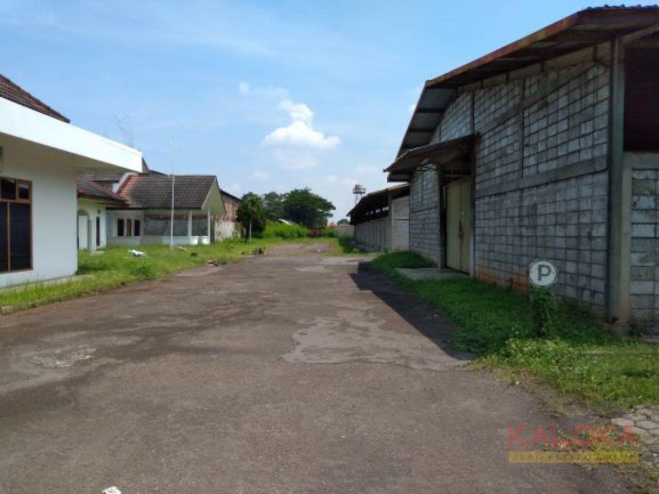 Gudang di lahan 2,6 Ha ex pabrik industri furnitur rotan